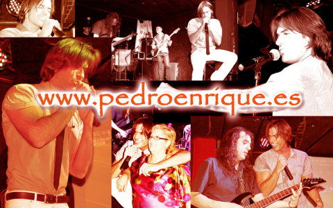 Pedro Enrique cantando en directo
